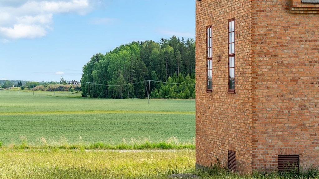 Tre våningar har man räknat ut att det går att bygga i tornet.