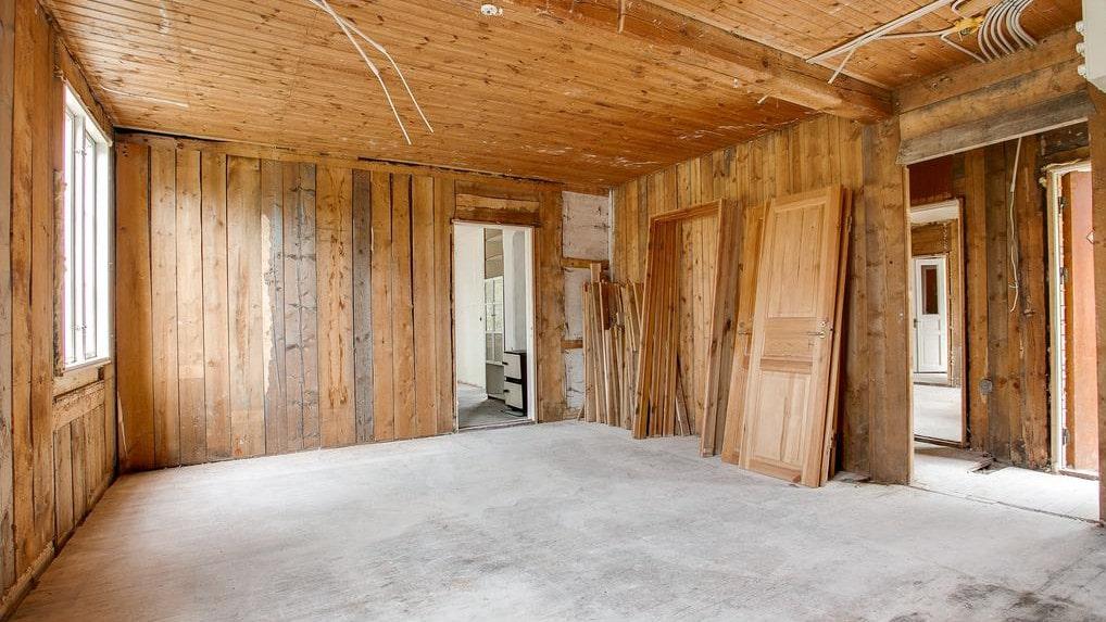 De senaste åren har huset fått förfalla och är nu i behov av en stor renovering.