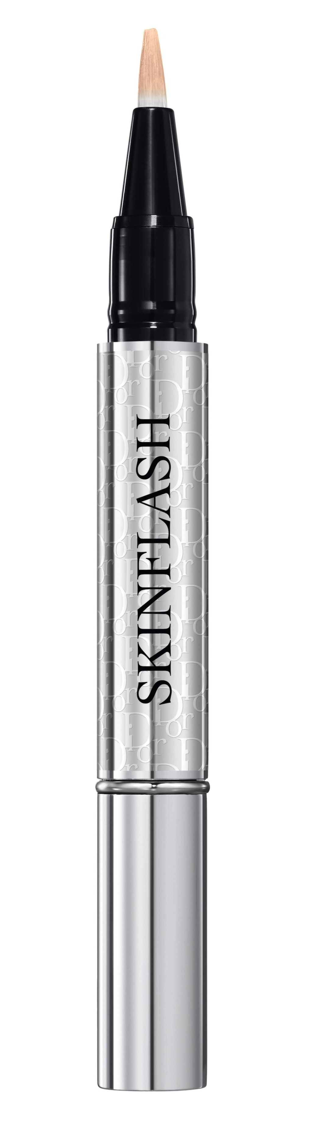 Bättrar på. Skinflash, korrigerande och lystergivande concealer perfekt för att förbättra en redan lagd makeup, 395 kronor, Dior, www.kicks.se