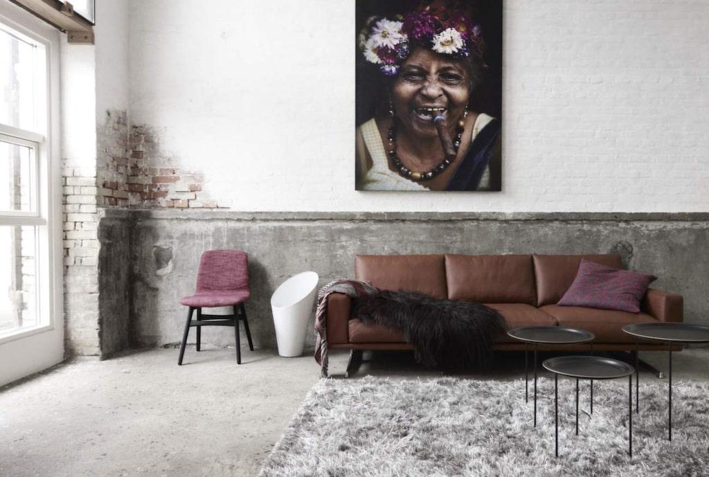 Stilrent i läder<br>Mockafärgad lädersoffa Carlton, 240 centimeter bred, 38 997 kronor, Boconcept.
