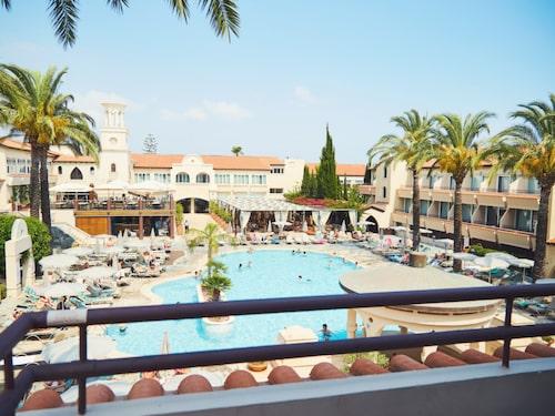 Napa Plaza Hotel.
