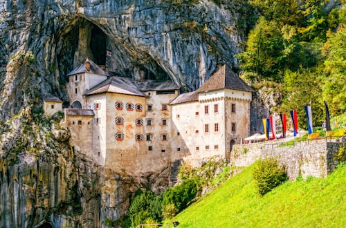 Slottet Predjama.