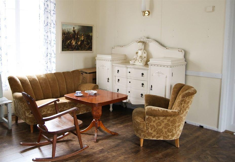 En annan del av samlingssalen. Alla möbler ingår i priset!
