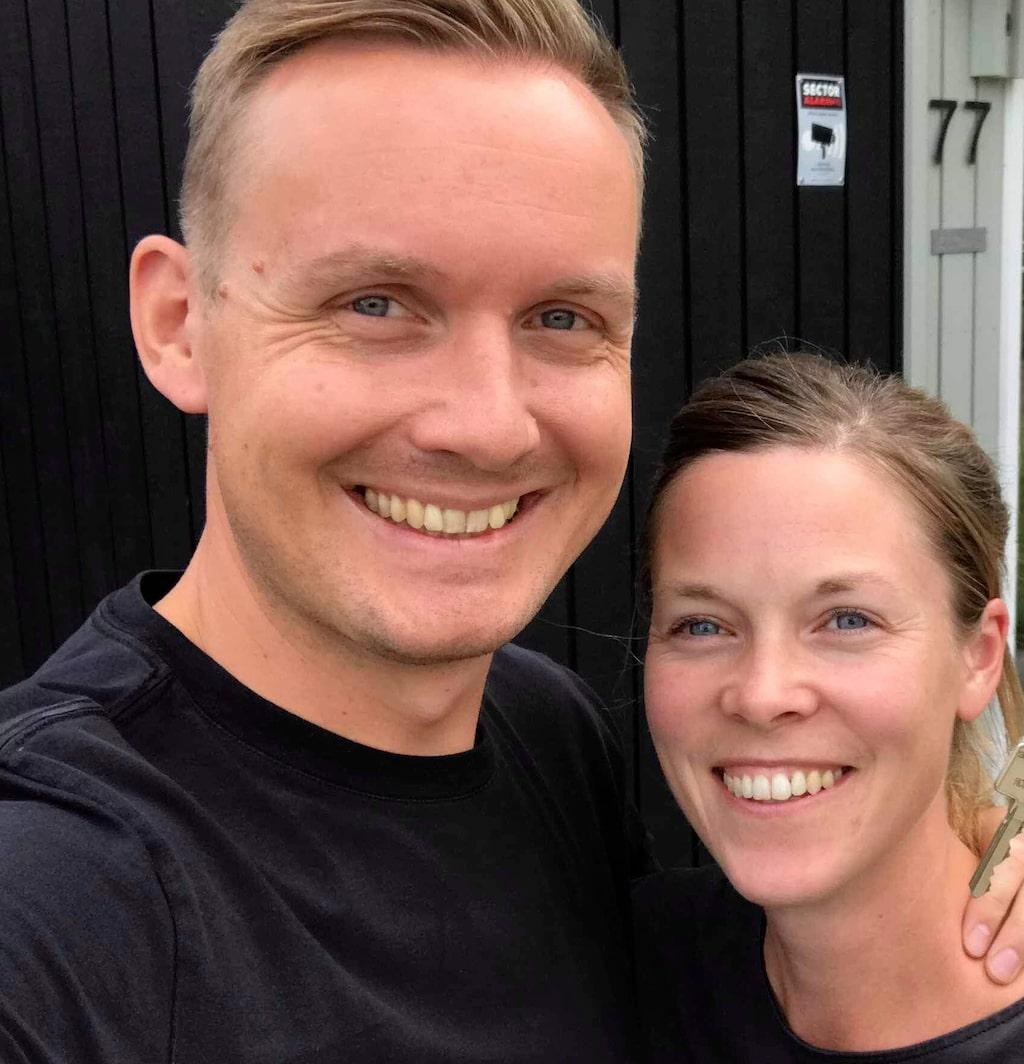 """Elisabeth Byström och Johan Ernfors, mer kända som Minimalisterna, har hängett sig till att leva så enkelt som möjligt. """"Avsikten är att frigöra tid, mental energi och pengar till sådant som är högst prioriterat i livet"""", berättar de."""