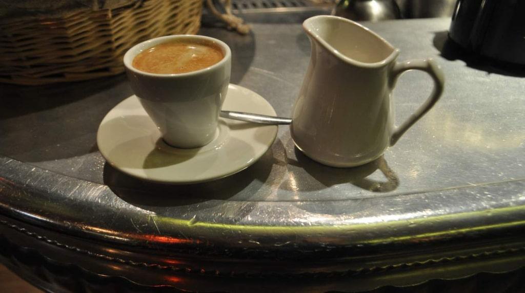 Bara en liten kaffe till... Zinkdiskarna är beroendeframkallande.