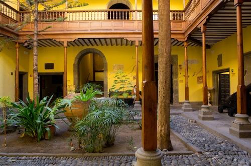 Casa De Colón inhyste Christofer Columbus på 1490-talet. I dag är det ett museum.