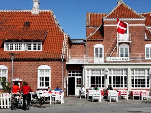 På klassiska Brøndums skulle Skagenmålarna känna igen sig efter mer än 100 år.