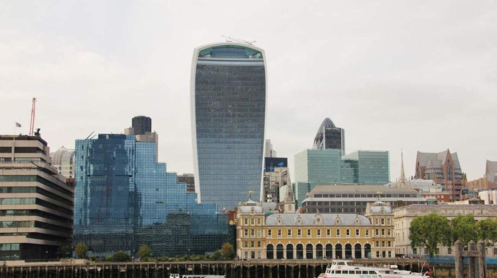 <p>Det officiella namnet på den 37 våningar höga byggnaden är 20 Fenchurch Street, efter adressen i Londons finansdistrikt som den ligger på.</p>