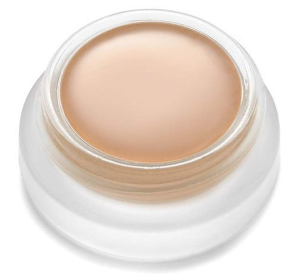 Fräsch look. Foundation, kan även användas som concealer, med hudvårdande ekologiska oljor och bra pigment som ger huden en naturligt fräsch finish. Antal nyanser: 5. Un cover up, 330 kronor/5,6 gram, Rms beauty, www.sundloef.com