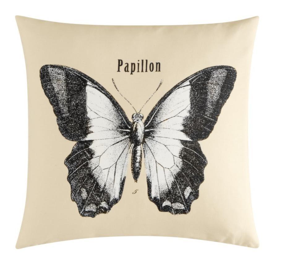 6. Kudde med stor dekorativ fjäril, 79 kronor, hm.com.