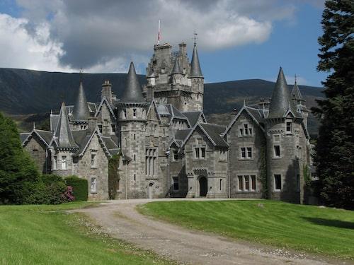 Skotska Ardverikie House har synts i åtskilliga filmer och serier.