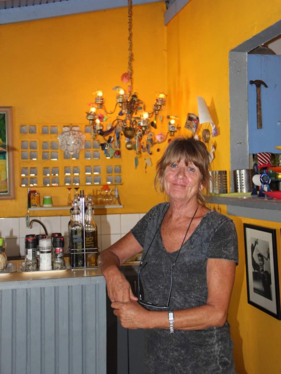 Svenska Jannicke Dillon driver Backyard Café i Crown Point.
