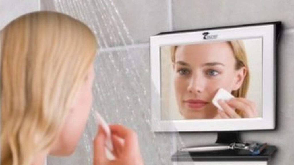 En spegel som inte immar igen har vi nog alla önskat någon gång.