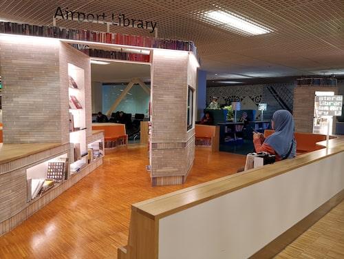 Nederländska Schiphol är en av flera flygplatser med eget bibliotek.