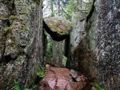 Den mäktiga entrén till Skuleskogen.