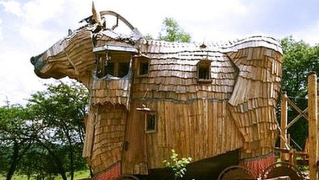 <p>La Balade des Gnomes har inspirerats av historien om Troja.<br></p>