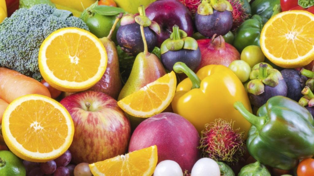 Alla kroppens funktioner fungerar bättre när det finns tillräckligt med näring så se till att äta vällagad mat, frukt och grönsaker.