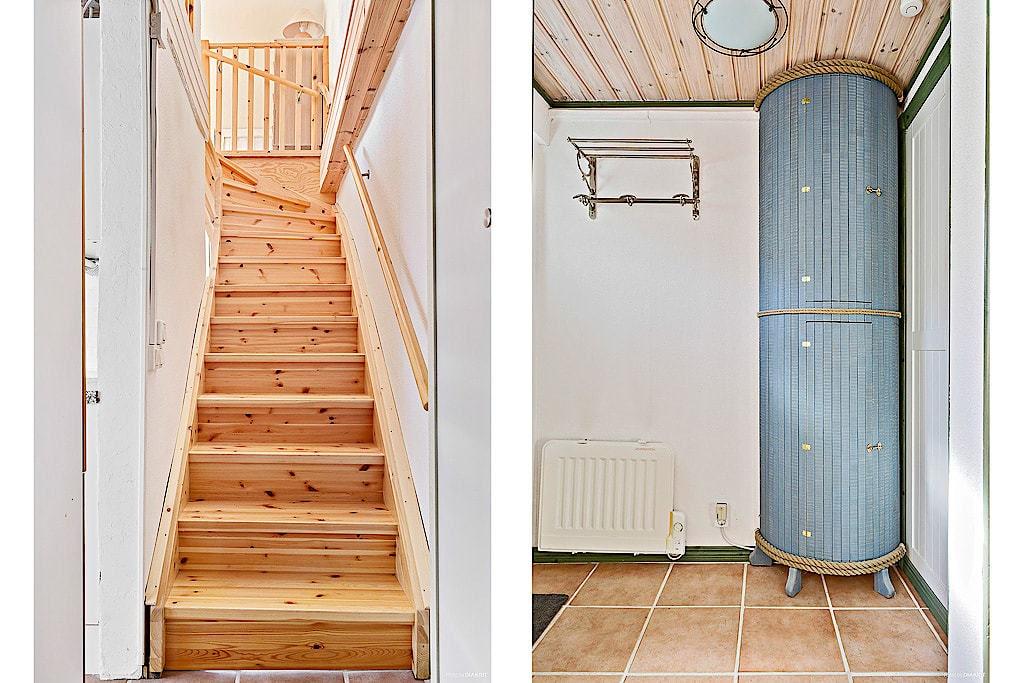 Trappan leder upp till husets sovrum, och under trappan finns ett garderobsutrymme. Ett vackert handgjort skåp döljer elmätaren.