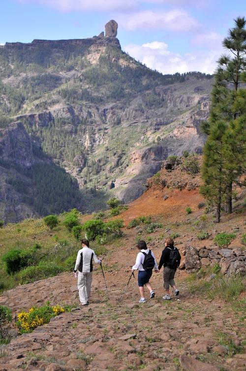 Las Cumbres vackra berg finns förutom vandringsleder, över 400 små familjeägda hotell.