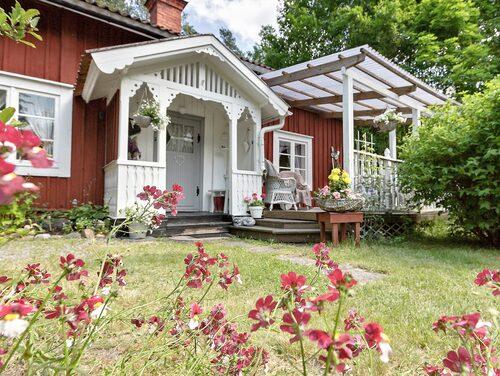 Fritidshuset i Mullhyttan är till salu för 785 000 kronor.