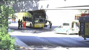Sex bilar och buss krockade pa bro