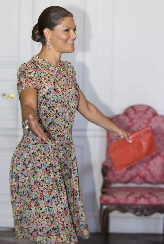 Kronprinsessan Victoria har gärna håret i en knut vid officiella sammanhang.