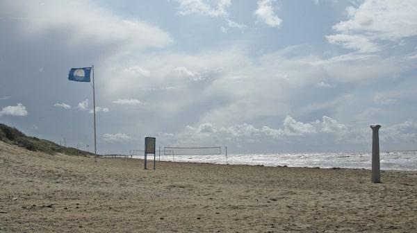 Skrea strand i Falkenberg har plats för många badsugna och solglada.