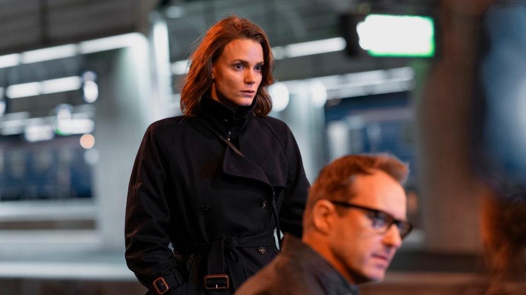 Liv Mjönes karaktär kriminologen Fredrika Bergman jobbar som civil utredare inom Stockholmspolisen.