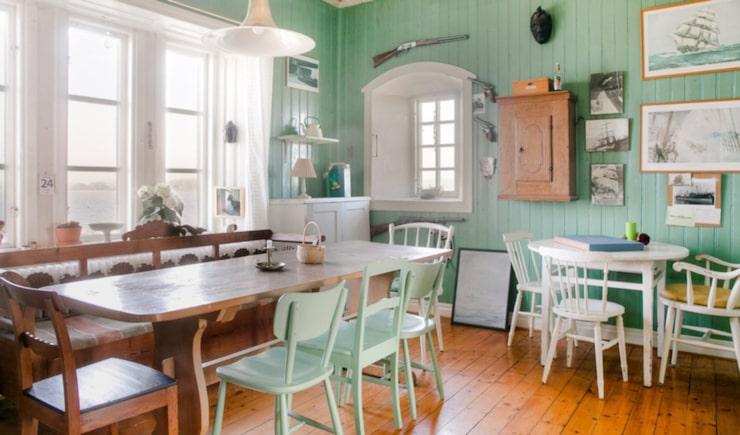 Kökets inredningen är bevarad från tiden då fyrvaktare bodde i huset.