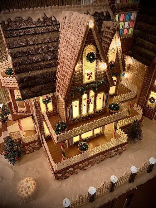 När alla bitar var färdiga gick den undan att sätta ihop huset, men mallarna började ritas redan i mitten av oktober.