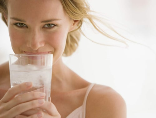 Ämnesomsättningen ökar med mer vatten.