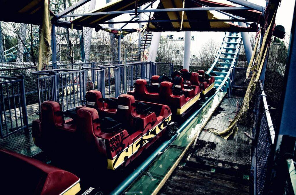 """<p>Six Flags i New Orleans, USA, stängdes när orkanen Katrina drog in 2005. Foto: <a href=""""https://www.flickr.com/photos/darrellrhodesmiller/6904703505/in/photolist-bw9pNa-9mwypo-bwm7Hi-bwm8Fg-bw9hEt-9xuFDk-bwYnvK-9rFM9F-9uQJsx-9pW45v-jjhE3f-bwYoDZ-bwm6wV-bwm8cn-bw9jRB-bwYn9F-bwYo9n-jjhAVo-bvZ3iK-reG8Qs-jjeQb4-jjdmvi-qZsLnG-jjdoE8-jjeNz8-jjePhF-jjhBa1-aanThF-jjeQsB-jjf9DC-jjePm8-jjfbhY-jjdo1T-jjdoTz-jjdqjF-jjeNJX-jjdm5D-jjdmUK-jjdpGt-jjfbDu-jjdnQn-jjdqdt-jjhDhY-jjhEEN-jjfcTJ-jjeSX6-jjdphR-jjeThV-jjfaJ3-jjhCGE"""" target=""""_blank"""">Flickr/Darrell Miller</a></p>"""