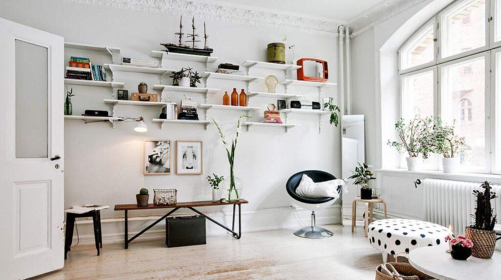 Lägenheten är på 47 kvadratmeter fördelade på två rum och kök.