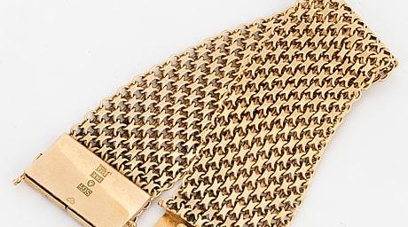 Ett 59 gram tungt guldarmband (18k) från SGT, tillverkat 1965, har sålts på auktion för 18 425 kronor.