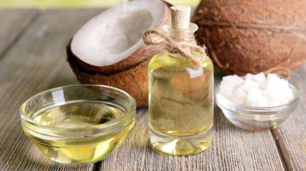 """<p>""""I tidningar lyfts kokosoljan fram som naturlig och jättenyttig, men det är fel"""", säger livsstilsprofessorn Mai-Lis Hellénius.</p>"""